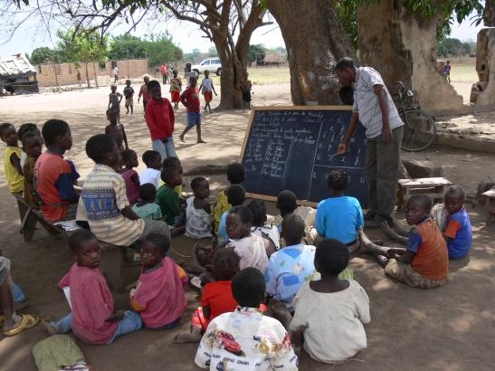 under-tree classroom