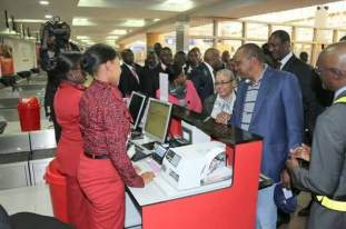 Uhuru Kenyatta travels Commercial